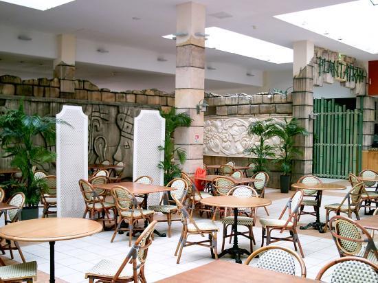 Décor du restaurant   le Plantation   du Algonquin's Explorers Hotel