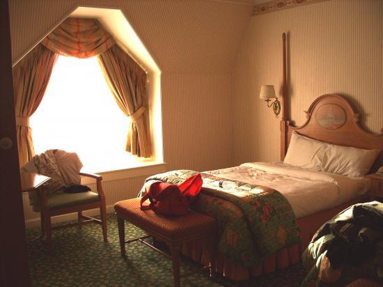 Chambre standard du disneyland hotel for Chambre castle club disneyland hotel