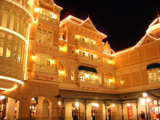 Disneyland Hotel de nuit   Magnifique
