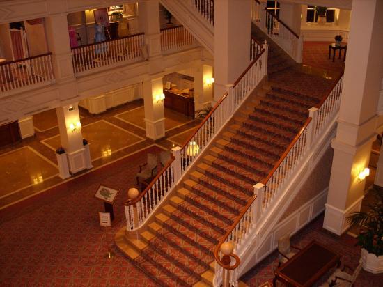 photos int rieur du disneyland hotel
