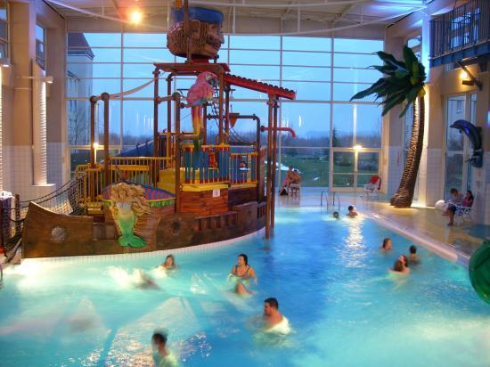 Piscine de l 39 algonquin 39 s explorers hotel - Explorer hotel paris swimming pool ...