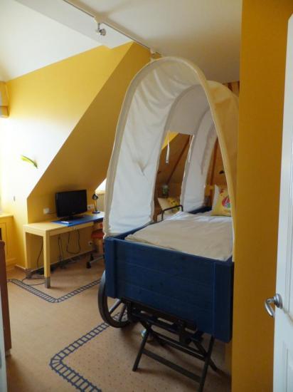 La chambre garcon de la Suite Royale du Dream Castle