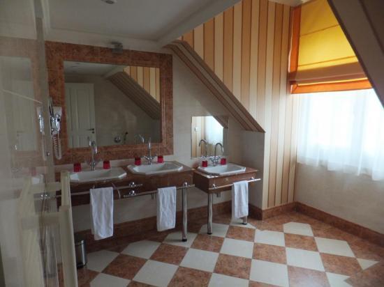 Cabinet de toilette de la Suite Royale du Dream Castle