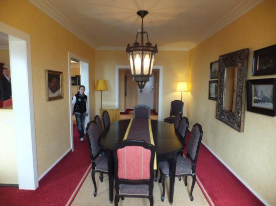 La salle à manger de la Suite Royale du Dream Castle