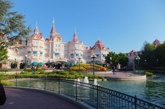 Disneyland Hotel à Disneyland Paris