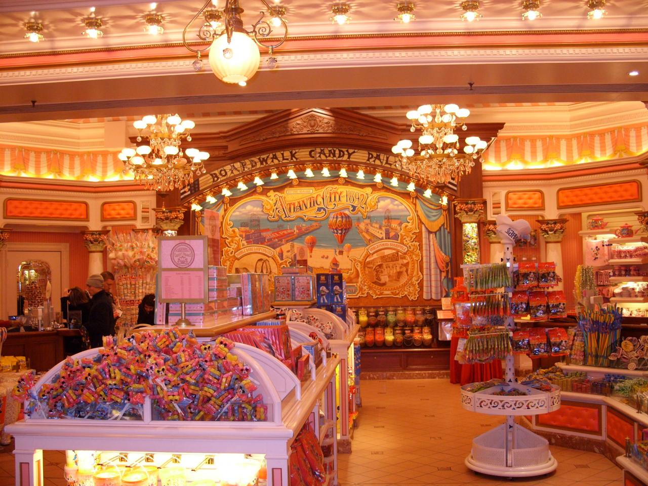 Boardwalk candy luxury hotel disneyland bets for Candy hotel